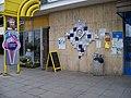 Radotín, OC Berounka, čp. 1372, plastika na zdi.jpg