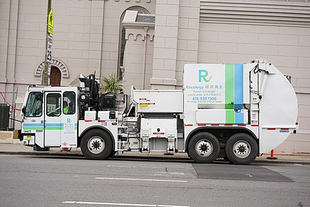 Recology Lodal Garbage Truck 14425 in San Francisco (unprocessed)