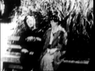 ملف:Recreation (1914) - CHARLIE CHAPLIN - Mack Sennett.webm