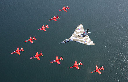 Vulcan B.2 in formation with the Red Arrows, 2015