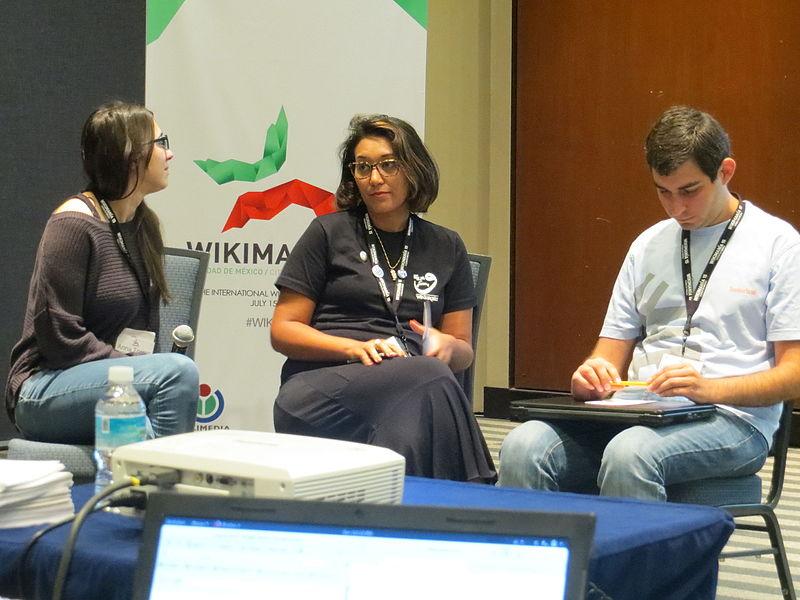 Доповідачі сесії про регіональні вікізустрічі. Автор фото — Antanana [CC0]