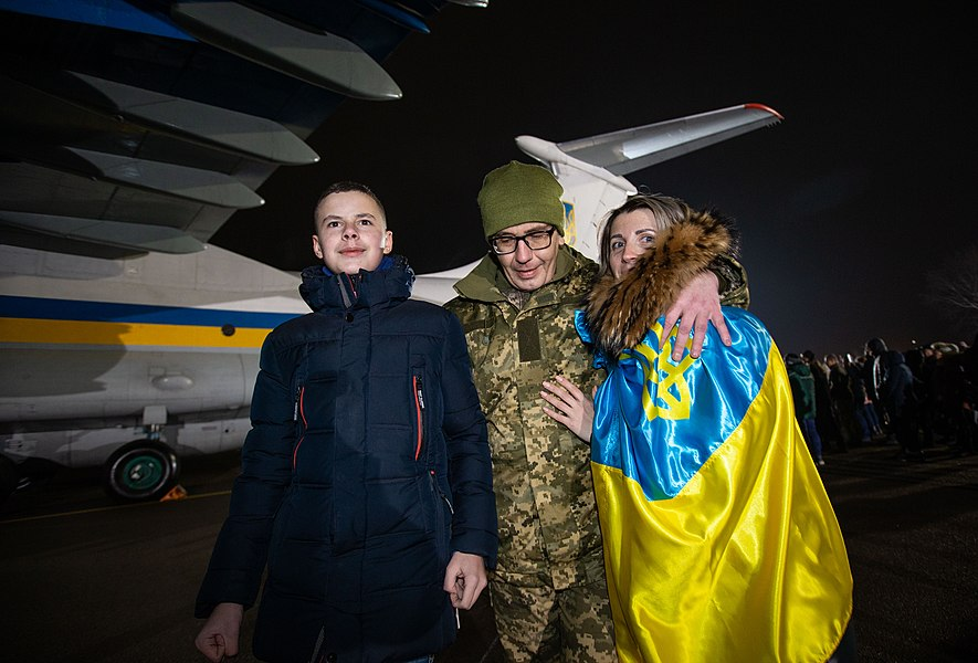 Return of liberated citizens to the territory controlled by Ukraine (2019-12-29) 016.jpg