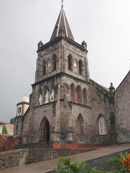 Portos do Caribe hoje 450px-Roseau_Cathedral