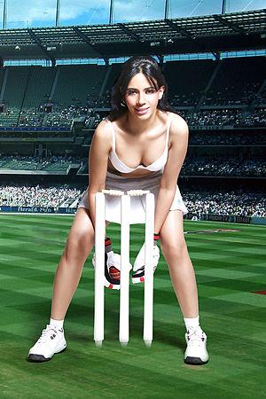 Rozlyn Khan's photo shoot for IPL (2).jpg