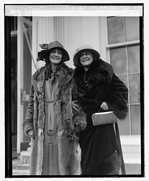 Ruth Malcomson - Malcolmson (left) with her mother (1925)