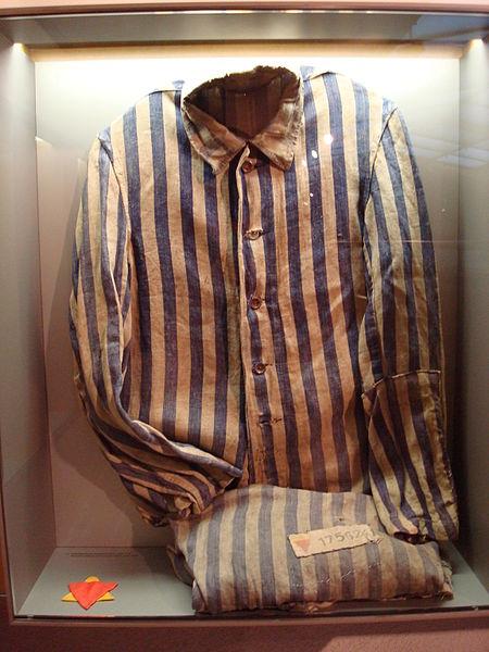 File:Sachsenhausen clothes.jpg
