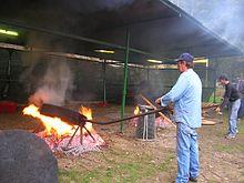 Sagra della castagna di Donnas. A Donnas viene prodotta la varietà di castagne detta donnasc, forse responsabile del toponimo del borgo.