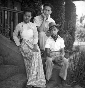 Sao Saimong - Sao Saimong and his wife, Mi Mi Khaing.