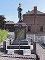 Saint-Hilaire-sur-Helpe (Nord, Fr) monument aux morts.jpg