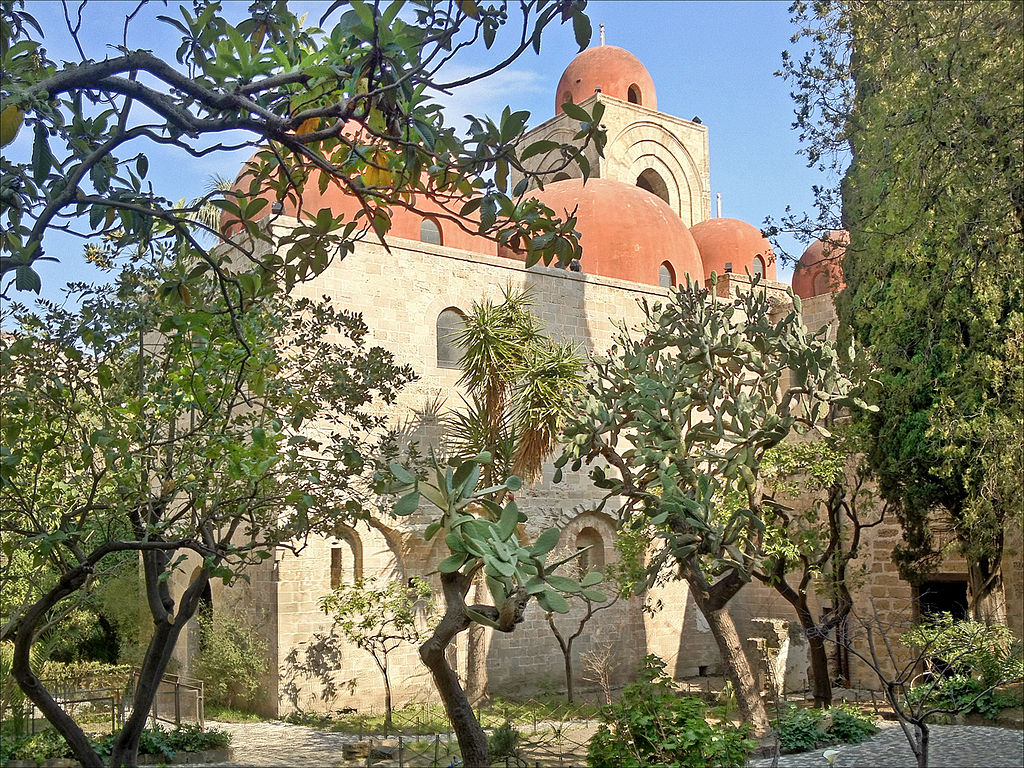 Vue depuis le jardin sur l'église Saint Jean des Ermites à Palerme - Photo Jean Pierre Dalbéra