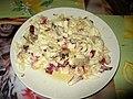 Salát s čínským zelím, kuřecím masem, červenou čekankou, vajíčky na tvrdo, krevetkami a majonézou.jpg