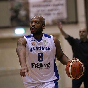 Samme Givens - Givens plays for Maccabi Ra'anana, 2017