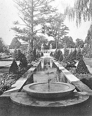 Charles Wellford Leavitt - Formal gardens, Samuel Untermyer estate, Yonkers, New York, ca. 1900. Charles Wellford Leavitt, landscape architect. Library of Congress