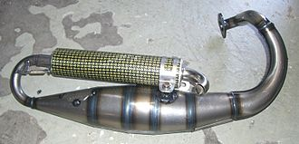 Tuned exhaust - Yasuni aftermarket motor scooter exhaust system. The exhaust passes first through the expansion chamber at the bottom and then exits through the muffler above it.