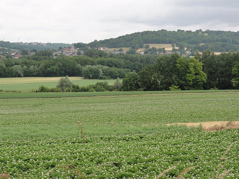 Sermoise (Aisne) paysage, vallée de l'Aisne et au loin Missy-sur-Aisne