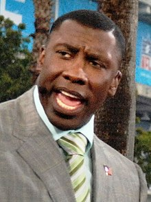 Description de l'image  Shannon Sharpe at Super Bowl XLI pre-game show in Miami.jpg.