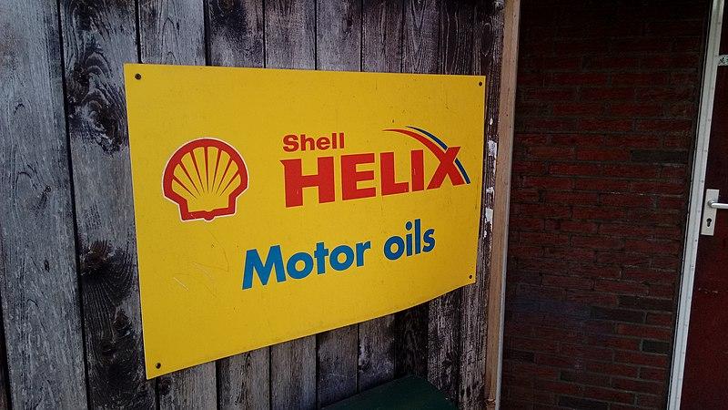 File:Shell Helix Motor oils sign, Blijham (2020) 02.jpg