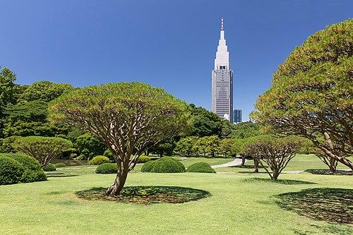 Shinjuku Gyoen National Garden and NTT DoCoMo Yoyogi Building, Tokyo, Japan.jpg