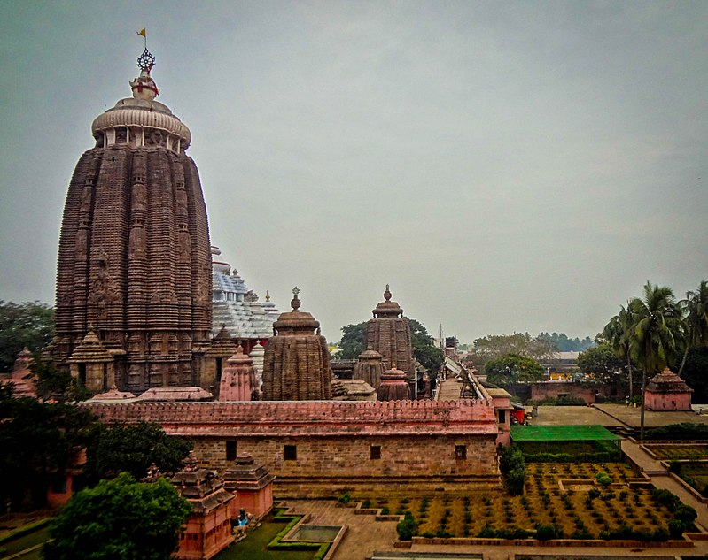 http://en.wikipedia.org/wiki/Puri#mediaviewer/File:Shri_Jagannath_Temple,Puri.jpg
