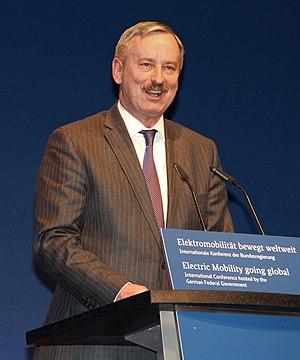 Siim Kallas - Siim Kallas at the electromobility summit 2013 in Berlin