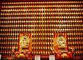 Singapore Buddha Tooth Relic Temple Innen Hintere Gebetshalle 6.jpg