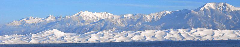 799px-Snow_Panorama_%2815973163119%29.jpg