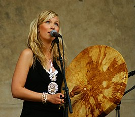 Sofia Jannok in het Centre Culturel Suedois in 2007