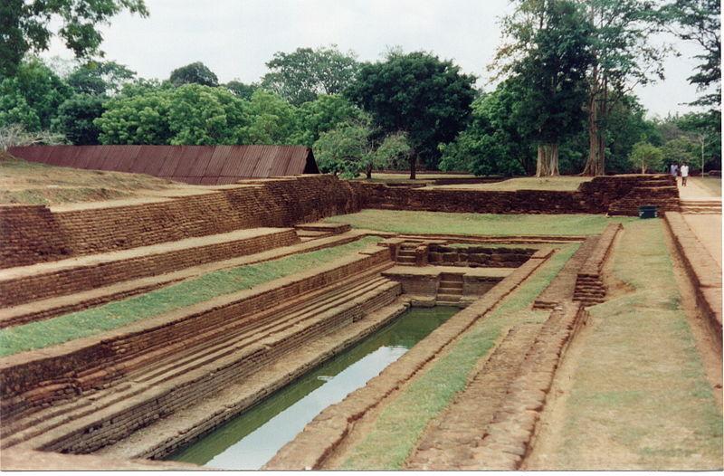 ไฟล์ : ศรีลังกา Sigiriya gardens.jpg