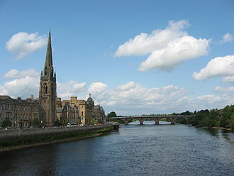 River Tay - Looking upstream (north) along the Tay from the centre of Perth