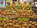 Stacked kiwi fruit (5845496011).jpg