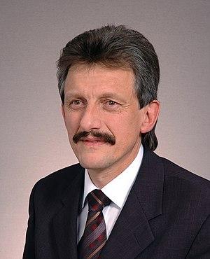 Stanisław Piotrowicz Kancelaria Senatu 2005.JPG
