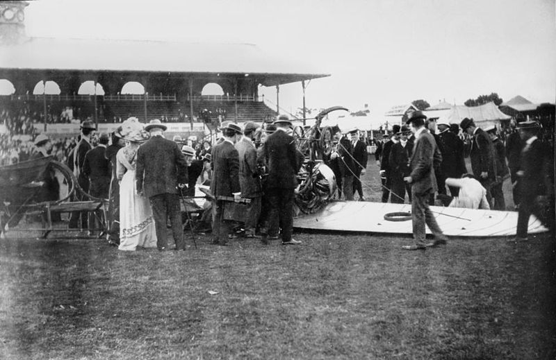 File:StateLibQld 1 115184 Arthur Burr (Wizard) Stone's Bleriot crashed upon landing, July 1912.jpg