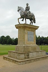 Statue of George I, Stowe - geograph.org.uk - 837967.jpg
