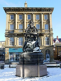 Statue of Queen Victoria, St Nicholas Square - geograph.org.uk - 1692077.jpg