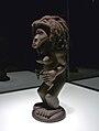 Statuette Chokwe-Musée ethnologique de Berlin.jpg