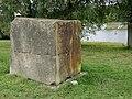 Steine Am Fluss Zusammengefügter Steinblock Mit Hohlform H1a.jpg
