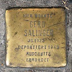 Photo of Gerd Salinger brass plaque
