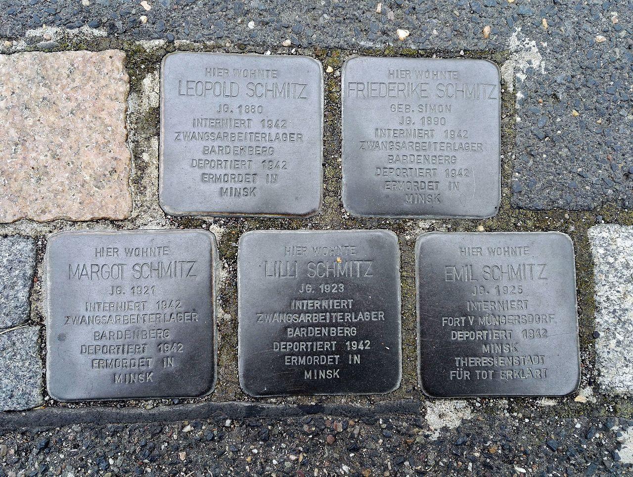Stolpersteins Leopold Schmitz, Friederike Schmitz, Margot Schmitz, Lilli Schmitz, Emil Schmitz, Büttgasse 14, Bornheim.jpg
