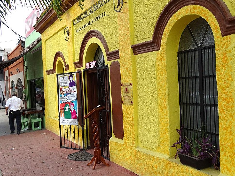 Street Scene - La Paz - Baja California Sur - Mexico - 02 (23809196496)