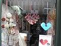 Tapestry heart (Guimarães 2012) (7304075076).jpg