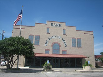 Devine, Texas - Image: The Bank of Texas in Devine, TX IMG 0495