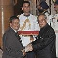 The President, Shri Pranab Mukherjee presenting the Padma Shri Award to Dr. S.K. Shivakumar, at a Civil Investiture Ceremony, at Rashtrapati Bhavan, in New Delhi on April 08, 2015.jpg