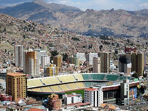Das Estadio Hernando Siles in La Paz
