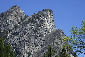 Three Brothers (Yosemite) - Three Brothers as seen from Valley Loop trail