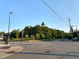 Tower Hill Park from University Avenue and Malcolm Avenue, Minneapolis.jpg