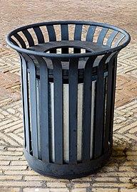 Trash bin at Viborg Katedralskole.jpg