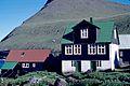 Une maison du village de Gjógv aux Îles Féroé (2).jpg