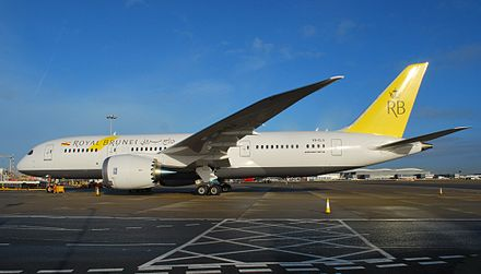 Royal Brunei Boeing 787 Dreamliner at London Heathrow Airport. V8-DLA Boeing 787 of Royal Brunei at Heathrow (11400528073).jpg