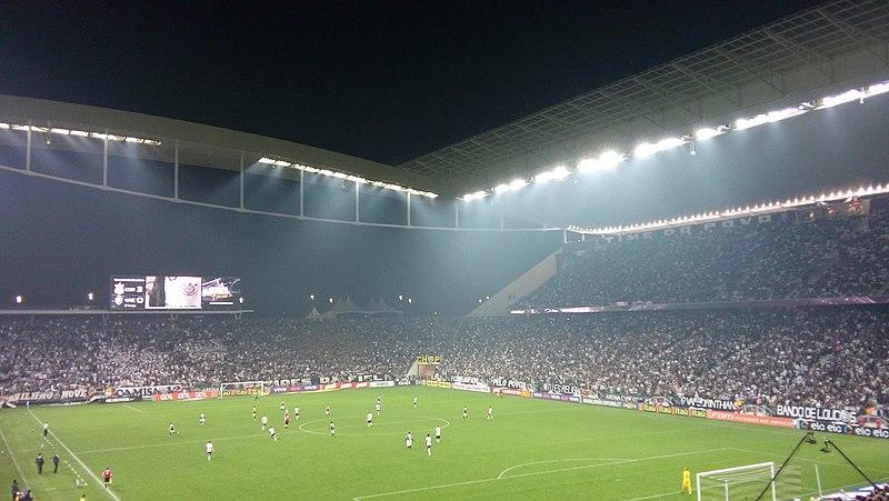 File:VasCorinthians na Arena do Timão.jpg