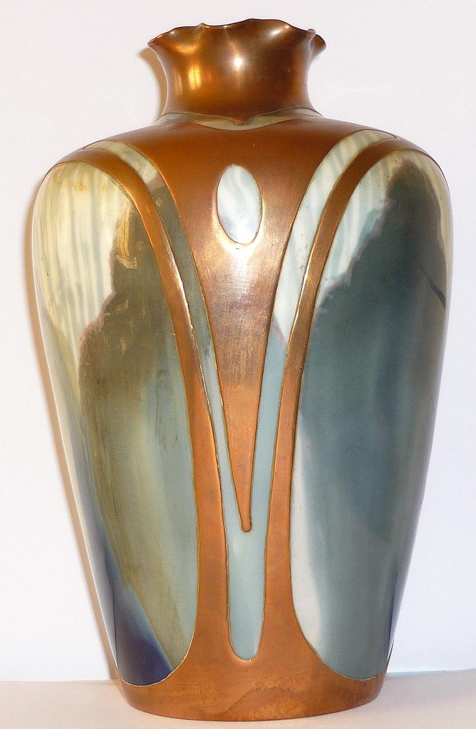 Vase Rosenthal, Art-nouveau, vers 1900, h. 18 cm.